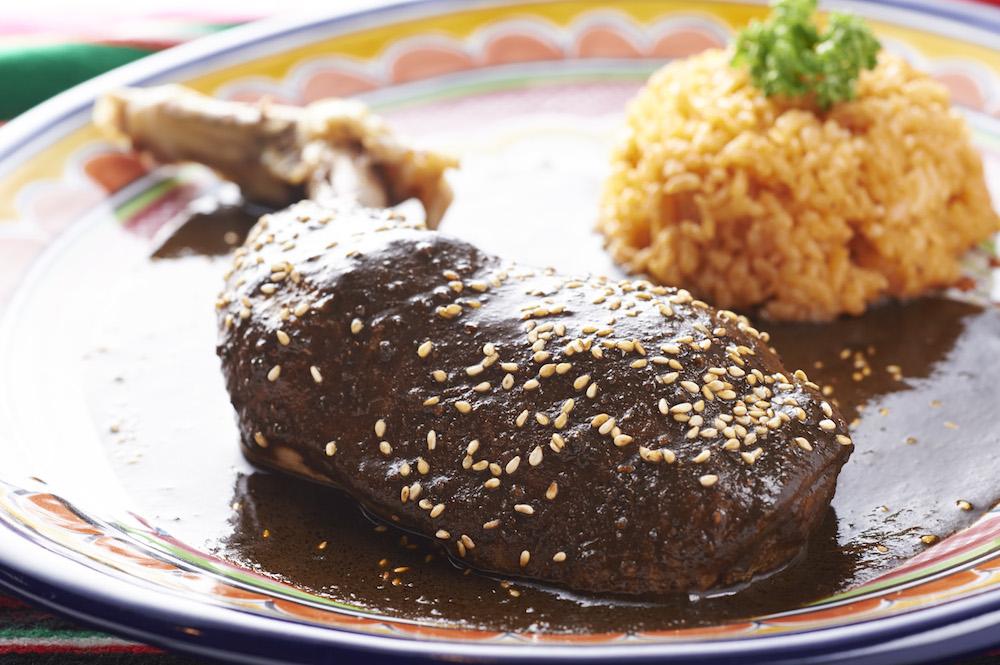 Mole Poblano メキシコ伝統の家庭料理。カカオの香りが食欲をそそります。