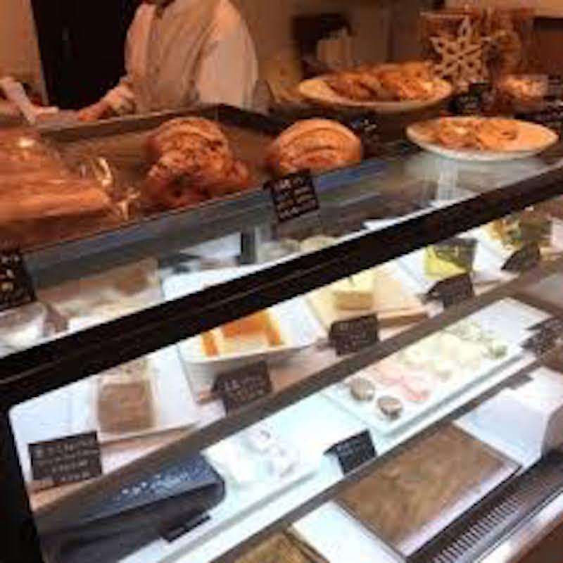 着色料等、添加物の使用は最小限に抑え美味しく、安心なケーキをそろえてます。