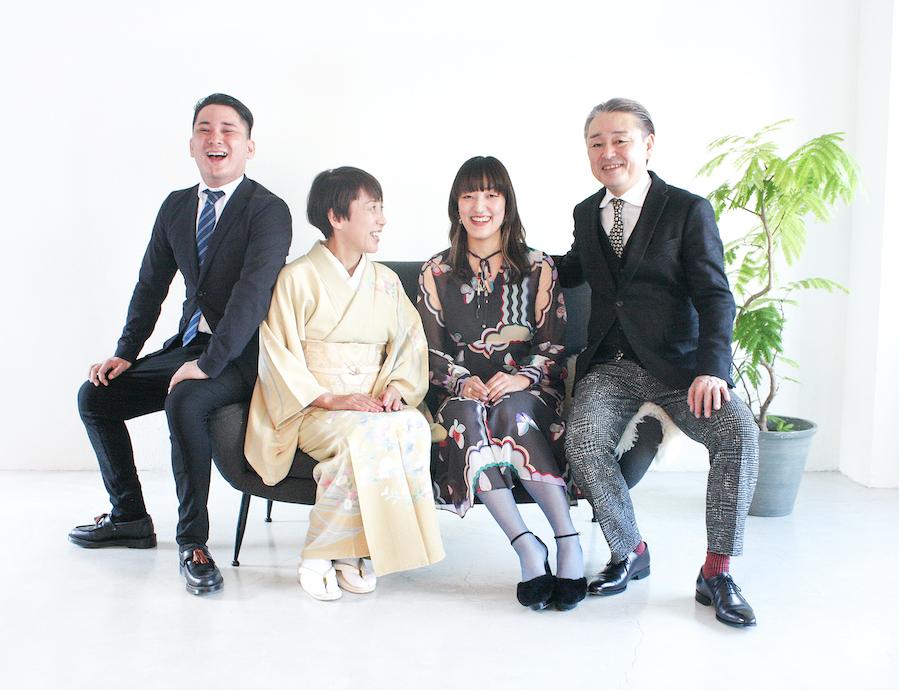 家族写真。気がつけば笑顔になった瞬間を切り取ります